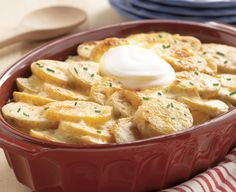 Need a delicious side dish to bring to your next family party? Try our Creamy Scalloped Potatoes recipe served with Daisy Sour Cream!