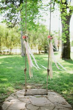 Wedding Tree Swing... ADD diy ♥❤ www.customweddingprintables.com