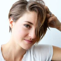 Shailene Woodley on her natural beauty routine (oil pulling, clay from Mountain Rose Herbs and more!)