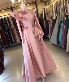 Dress Muslim Modern, Hijab Evening Dress, Hijab Dress Party, Couture Dresses, Fashion Dresses, Fancy Dress Design, Modest Dresses Casual, Simple Gowns, Designer Party Wear Dresses