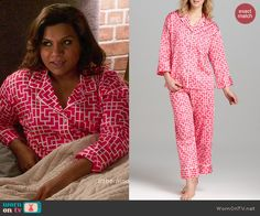 Mindy's pink geometric printed pajamas on The Mindy Project. Outfit Details: http://wornontv.net/46077/ #TheMindyProject