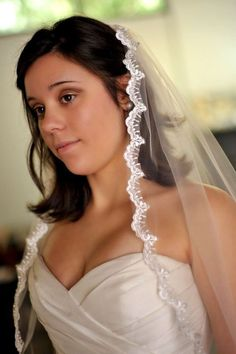 Elbow length french lace veil - Molly