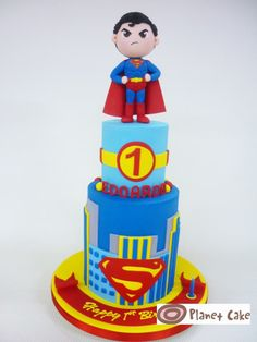 Cake by Planet Cake - Superman looks absolutely stubborn! Superman Birthday Party, Birthday Cake, Beautiful Cakes, Amazing Cakes, Cake Designs For Boy, Cake Pops, Planet Cake, Superman Cakes, Superhero Cake