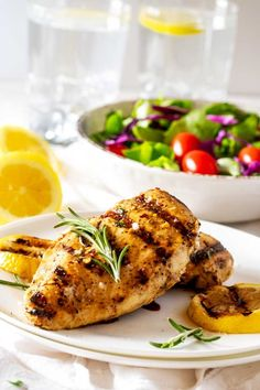 This easy to make Grilled Lemon Pepper Chicken has a tangy marinade that the whole family will love! Perfect for family dinners. Best Grill Recipes, Best Chicken Recipes, Grilled Chicken Recipes, Barbecue Recipes, Grilling Recipes, Meat Recipes, Dinner Recipes, Bbq, Recipes With Chicken And Peppers