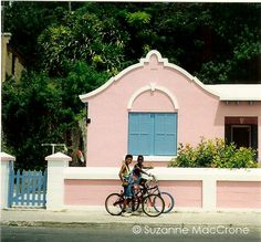 Bermuda Bungalow ~ Original Colour Photograph by Suzanne MacCrone