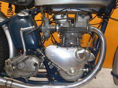 Triumph Bonneville, Triumph Motorcycles, Vintage Bikes, Pickle, Dream Cars, Wheels, British, Racing, Classic
