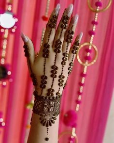Mehndi holds a special significance in Teej celebrations. So we bring to you beautiful mehndi designs for teej festival celebrations. Palm Mehndi Design, Floral Henna Designs, Legs Mehndi Design, Henna Art Designs, Mehndi Designs 2018, Mehndi Designs For Girls, Mehndi Designs For Beginners, Modern Mehndi Designs, Dulhan Mehndi Designs