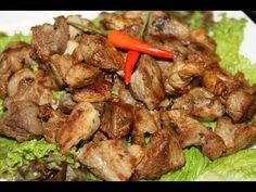 How to make traditional Caribbean garlic pork as it's done in Guyana and Trinidad and Tobago. This spicy pork recipe is heavily influenced by the Portuguese who settled in the Caribbean and it's become a very popular dish around the Christmas holidays. A tasty breakfast treat on Christmas morning in Guyana, it's also accompanied by peppersauce i...