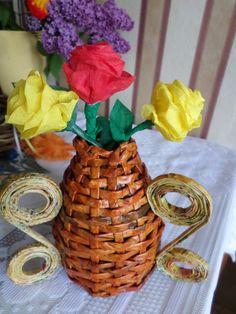Saját munka/my own works_Pillangós váza. Papírfonás. Paper weaving