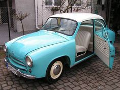 Vintage Cars, Retro Vintage, Fiat 126, 1950s Car, Mini Trucks, Amazing Cars, Old Cars, Cars And Motorcycles, Volkswagen