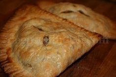 Deep South Dish: Louisiana Natchitoches Meat Pies This is Lazyones famous meat pies. This is a must in our trips to LA! Creole Recipes, Beef Recipes, Great Recipes, Cooking Recipes, Favorite Recipes, Curry Recipes, Recipies, Donut Recipes, Sandwich Recipes