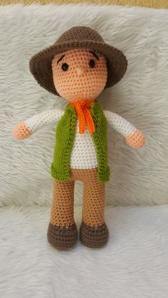 Crochet Panda, Crochet Dolls, Cat Keychain, Crochet Basket Pattern, Knitted Cat, Birthday Presents, Crochet Projects, Giraffe, Applique