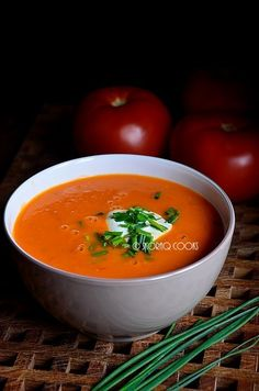 skoraq cooks and other stories: Zupa krem z pomidorów / Simple tomato soup Polish Soup, Tomato Soup Recipes, English Food, Polish Recipes, Recipe Box, Thai Red Curry, Food And Drink, Cooking, Simple