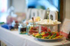 Candy Bar mit wunderschöner Etagere von Marthas Kaffeetafel.