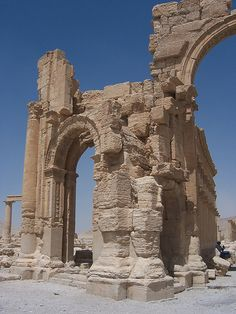 As the chaos and genocide continue to unfold in Syria, the global archaeology community believes it has an ace up its sleeve: they can digitally preserve structures that still exist, to recreate them to survive the ongoing war. Ancient Mysteries, Ancient Ruins, Ancient Artifacts, Ancient Rome, Ancient History, Mayan Ruins, Ancient Greek, Beautiful Castles, Beautiful Buildings
