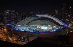 The Rogers Centre's famous retractable dome-shaped roof in action, image by Freaktography