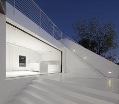 Gallery of Nakahouse / XTEN Architecture - 7