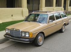 Learn more about Cleaning Hours: 1979 Mercedes Benz on Bring a Trailer, the home of the best vintage and classic cars online. Mercedes Benz 300, Mercedes W114, Bentley Continental, M Benz, Daimler Benz, Ferdinand Porsche, Classic Mercedes, Custom Vans, Classic Cars Online