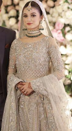 Valima bride wearing saira shakira