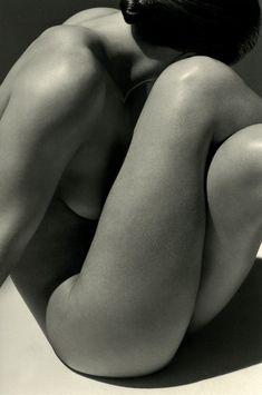 curves & shadow women body Piernas.Herb+Ritts.