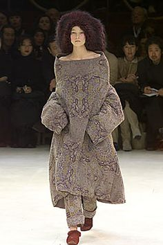Yohji Yamamoto Fall 2000 Ready-to-Wear - Collection - Gallery - Style.com
