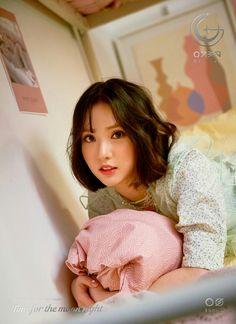 #여자친구 #GFRIEND #The_6th_Mini_Album #Time_for_the_moon_night  <#4. Concept Photo - #Eunha>  2018.04.30 18:00PM https://t.co/DjvicUOkiU