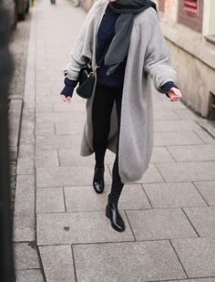 Style with dark basics. Long grey coat for cold days. Easy to style.