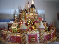 Gingerbread Castle = WOW! | #christmas #gingerbreadhouse #xmas