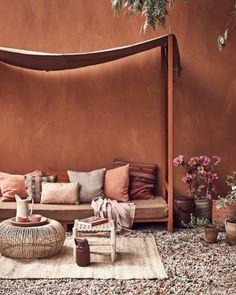 Warm Color Schemes, Interior Color Schemes, Warm Colors, Half Painted Walls, Color Terracota, Warm Bedroom, Warm Home Decor, Wall Exterior, Beautiful Home Designs