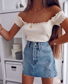 Blake Light Wash Two-Tone Denim Mini Skirt – Outfits For Summer – Summer Outfits 2019 Denim Skirt Outfits, Outfit Jeans, Denim Mini Skirt, Mini Skirts, Skirt Ootd, Denim Dresses, Sweater Dresses, Jean Outfits, Maxi Dresses