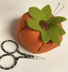 Tutorial: Autumn pumpkin pincushion