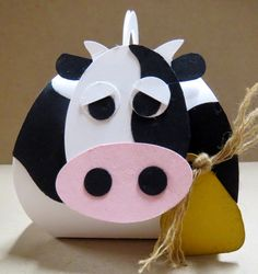 Scrap Happens Here. Curvy Keepsake Box Thinlit, cow