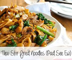 stir fried noodles, a very popular Thai Street food, with chicken and Chinese Broccoli (kai-lan). On the table in 15 minutes.Thai stir fried noodles, a very popular Thai Street food, with chicken and Chinese Broccoli (kai-lan). On the table in 15 minutes. Asian Recipes, Healthy Recipes, Ethnic Recipes, Thai Food Recipes, Thai Stir Fry, Stir Fry Noodles, Recipetin Eats, Thai Street Food, Chinese Street Food