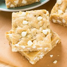 This White Chocolate Blondie recipe will make you forget that any other desserts even exist! Don't get me wrong.I love all types of desserts. From brownies to cookies and an occasional (or frequent) bowl of giant Chocolate Blondies Recipe, Chocolate Brownies, Chocolate Recipes, Chocolates, Chefs, Quick Dessert Recipes, Delicious Desserts, Snacks Recipes, Dessert Ideas
