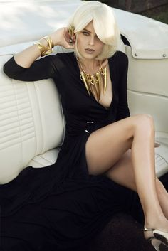 Model Maggimae Cecelia by photographer Jamie Nelson Gold Fashion, Fashion Beauty, High Fashion, Jamie Nelson, Black Magic Woman, Celebrity Photographers, Moda Chic, Portrait, Sensual