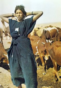 """Haggar, servant to Sarah and mother of Ishmael by Abraham [From """"Sahara"""" by Rene Gardi] Travel Photographie, People Of The World, Fukuoka, Beautiful People, Dior, Character Design, Women Wear, Textiles, Style Inspiration"""