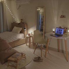 12 Unique Bonus Room Ideas for Your Home - Site Home Design Small Room Bedroom, Home Bedroom, Bedroom Decor, Bedrooms, Tiny Bedroom Design, Study Room Decor, Small Room Design, Bedroom Inspo, Deco Studio