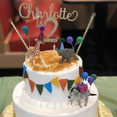 Elephant Cake Toppers, Giraffe Cakes, Safari Cakes, Bear Cakes, Animal Themed Birthday Party, Girl 2nd Birthday, First Birthday Cakes, Animal Party, Birthday Table