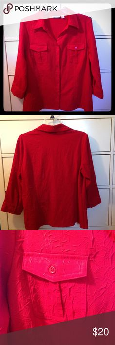 Red Button Down Croft&Barrow Top NWOT red Croft&Barrow top with front buttons and 3/4 sleeves. This top is in great condition and is made of 97% Polyester and 3% Spandex. NO Trades NO PayPal Croft & Barrow Tops Button Down Shirts