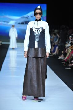 Black and white series Hananie Hananto for Jakarta Fashion Week 2014-modest fashion edgy and modern