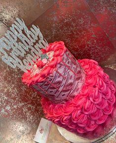Birthday Cake Crown, Crazy Birthday Cakes, Queens Birthday Cake, Money Birthday Cake, Special Birthday Cakes, Custom Birthday Cakes, Beautiful Birthday Cakes, Adult Birthday Cakes, Sweet 16 Birthday