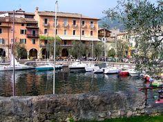 * Lago de Garda * Visto de Torri del Benaco.