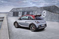 Rocks S - carisma mix per Opel Adam  Per Opel, con un po' di narcisismo, Rocks S è il mix perfetto del concetto di Adam. E' compatto: lungo solo lungo 3,75 metri. Personalizzato off-road, nel carisma dell'estetica e nelle modifiche funzionali.  E' grintoso: assetto rivisto, scatto da 0 a 100 km/h in 8,5 s...