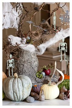 Christy Ford Co-Founder of TSG and @julia George take on spooky decor #TSG #Thescoutguide #halloween