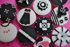 Pictures of Pretty Witty Cakes' Wedding Cupcakes and Cupcake Classes.