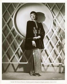 anna may wong, 1938 jacket Old Hollywood Glamour, Hollywood Fashion, Golden Age Of Hollywood, In Hollywood, Hollywood Actresses, Classic Hollywood, Asian American Actresses, Female Actresses, Silent Film Stars