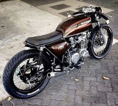 Moto : Stunning Honda to end the weekend Cafe Racer Cb750 Cafe Racer, Cafe Racer Bikes, Cafe Racer Seat, Brat Bike, Cafe Racer Motorcycle, Motos Honda, Honda Cb750, Cool Motorcycles, Vintage Motorcycles