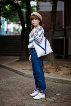 On the street… Dakyung Lee Busan ~ echeveau Vans Fashion, Street Fashion, Asian Street Style, Vans Style, Busan, Sleeve Tattoos, Preppy, Fall Outfits, Tattoo Ideas