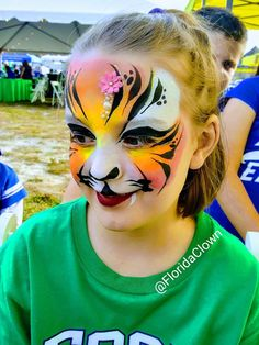 Face Painting Designs, Paint Designs, Tiger Face Paints, Carnival, Tigers, Maquillaje, Animaux, Mardi Gras, Carnival Holiday