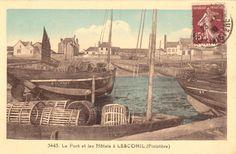 Le port de Lesconil à la fin des années 20 avec l'Hôtel du Port en construction.